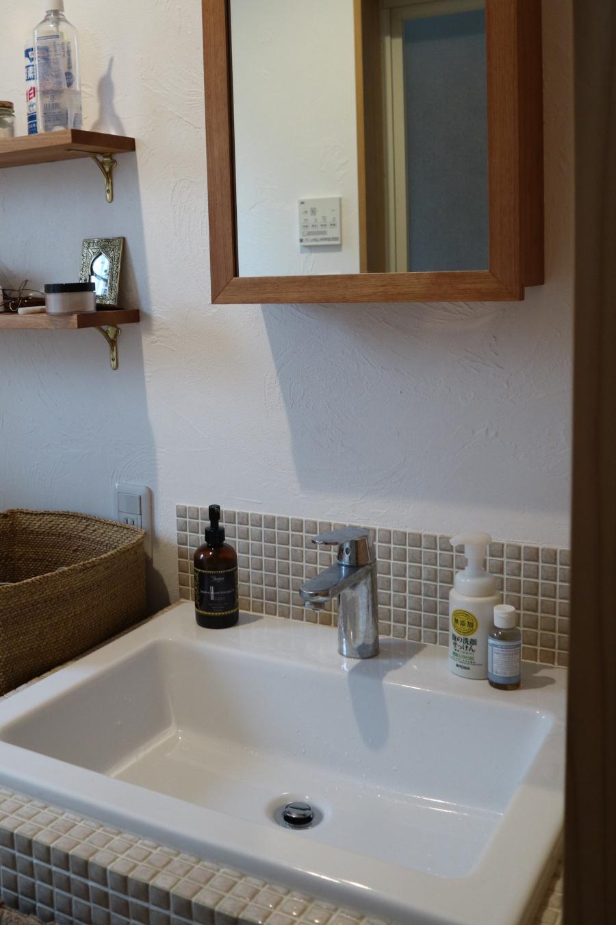 洗面台DIYのお手伝い_d0075863_11224337.jpg