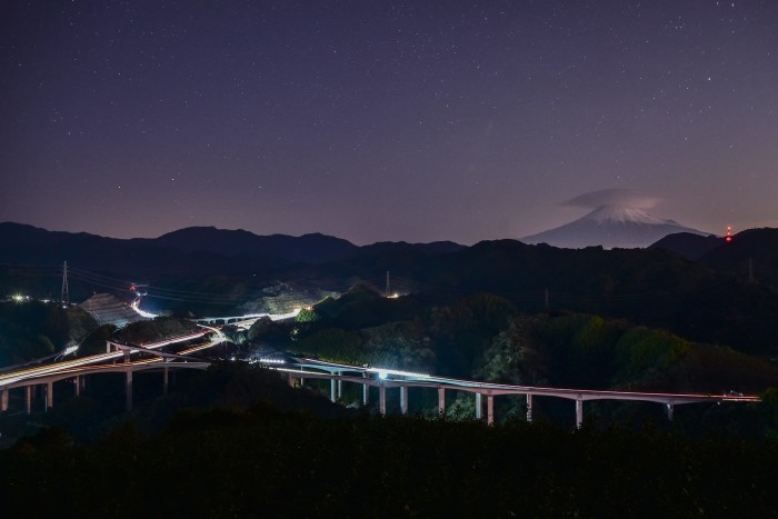 笠雲の富士山_a0307264_14422146.jpg