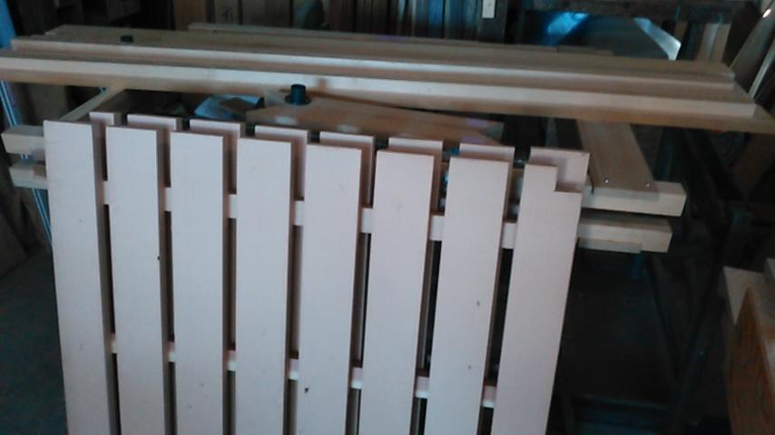 手作りベッド2_a0117168_11135211.jpg