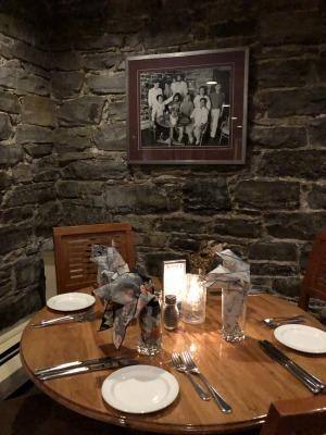 キングストンのレストラン_c0353373_01444175.jpg