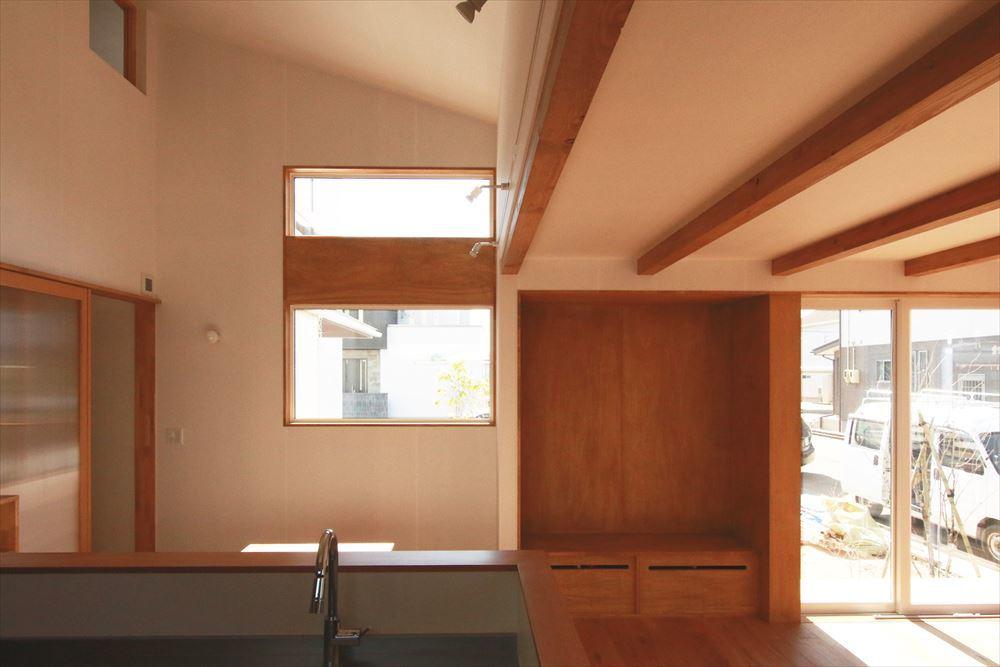 吹抜でつながるタテとヨコに広がる住まい オープンハウスの見どころ_b0349892_14335815.jpg