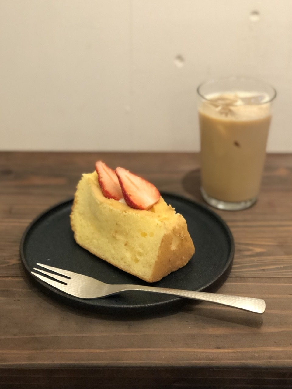 【〜あなたはどこにフォーカスしますか〜】polepoleの''オレンジピールとくるみのケーキ''お気に入りのスージークーパーで♡_a0157409_15113850.jpeg