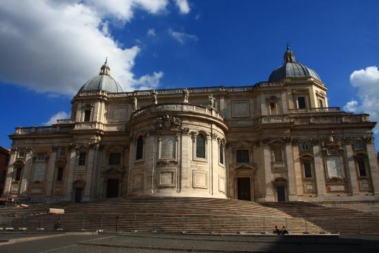 ローマの神殿の柱を彩る5世紀からルネッサンスまで豪華絢爛なモザイク美術の世界_a0113718_00411434.jpg