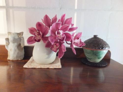 花を楽しむ器たち〜5_d0336460_03165783.jpeg