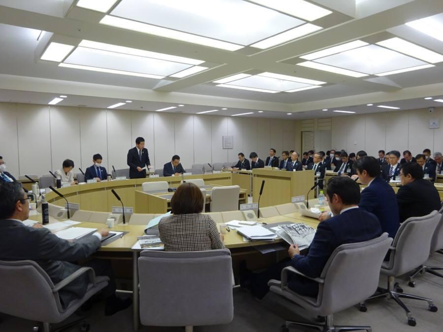 公営企業委員会3日目_f0059673_23172778.jpg