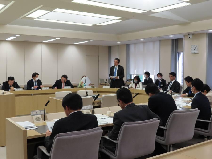 公営企業委員会2日目_f0059673_23200278.jpg