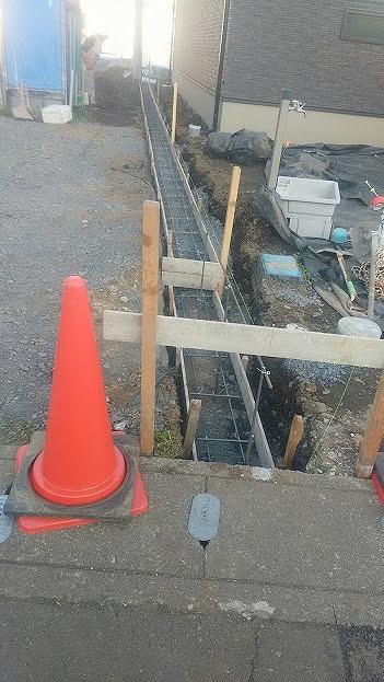 真岡市T様邸(外構工事 ベース掘削・枠設置・ベースコンクリート)_c0313938_10552854.jpg