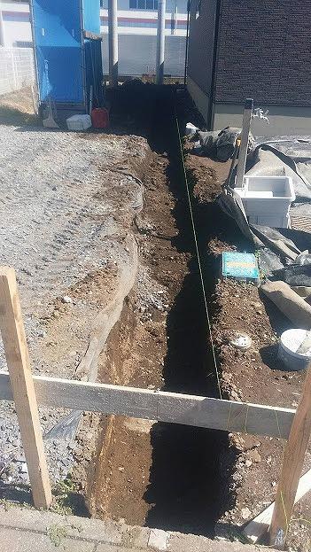 真岡市T様邸(外構工事 ベース掘削・枠設置・ベースコンクリート)_c0313938_10552970.jpg