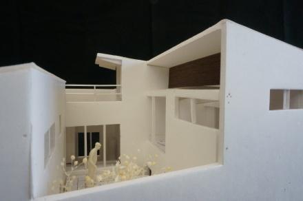 『すみきりの家』1/50模型でスタディー中_e0197748_09274014.jpg