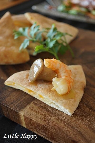 コストコレシピ(Pita Bread・マーブルシュレッドチーズ)_d0269651_14152691.jpg