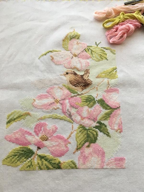 pink flowers with a little bird ⑤_a0374562_08023151.jpeg