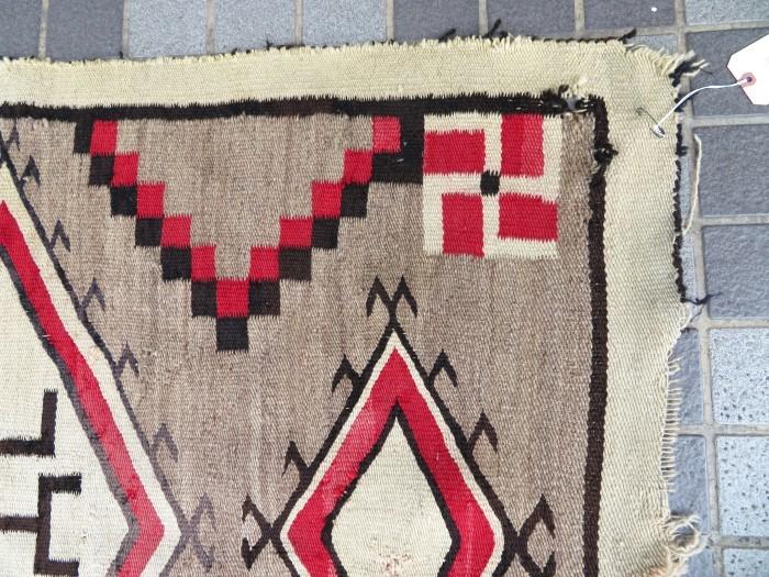 ~20\'s Navajo Swastika Rug + 今週末も新商品大量投入致します !!_e0187362_13381889.jpg