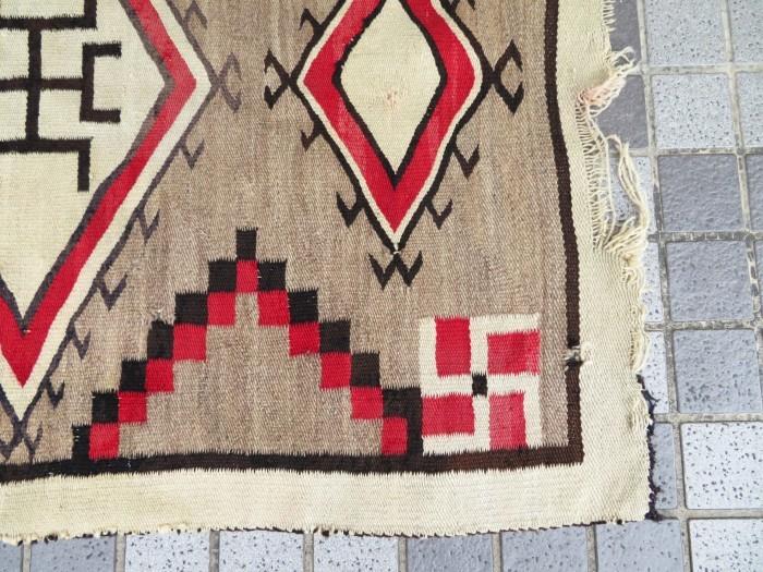 ~20\'s Navajo Swastika Rug + 今週末も新商品大量投入致します !!_e0187362_13383866.jpg