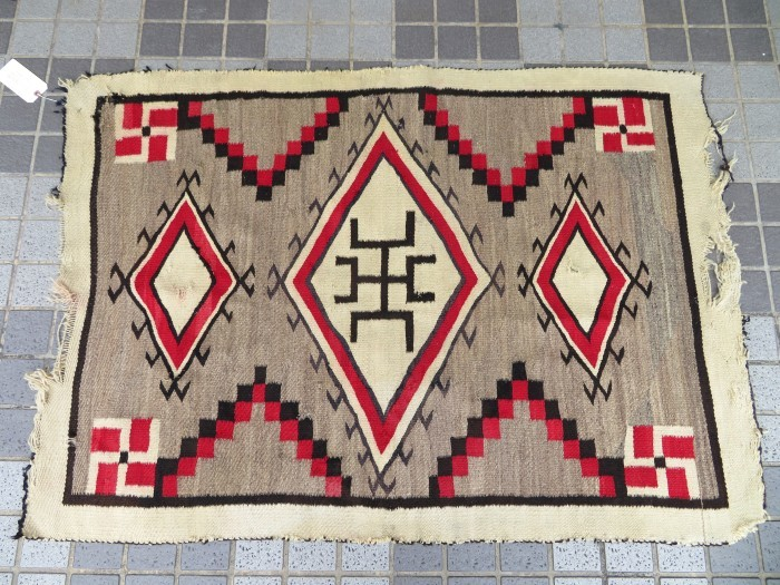 ~20\'s Navajo Swastika Rug + 今週末も新商品大量投入致します !!_e0187362_13395883.jpg