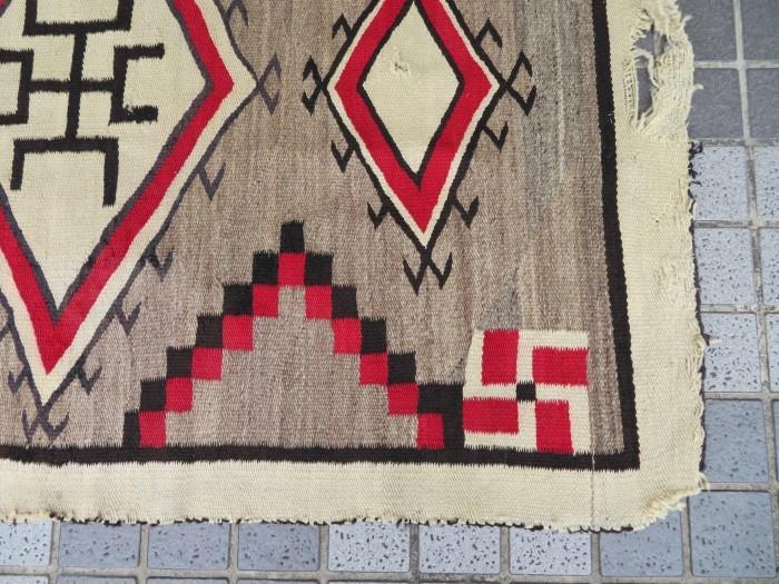 ~20\'s Navajo Swastika Rug + 今週末も新商品大量投入致します !!_e0187362_13403585.jpg