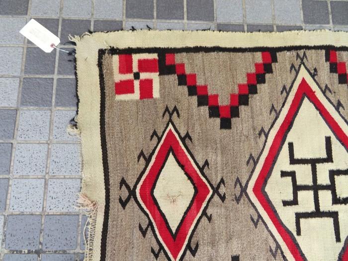 ~20\'s Navajo Swastika Rug + 今週末も新商品大量投入致します !!_e0187362_13405299.jpg