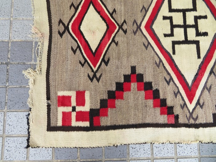 ~20\'s Navajo Swastika Rug + 今週末も新商品大量投入致します !!_e0187362_13411339.jpg