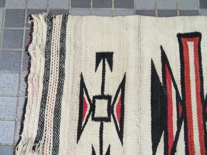 Vintage Navajo Rug_e0187362_13523272.jpg