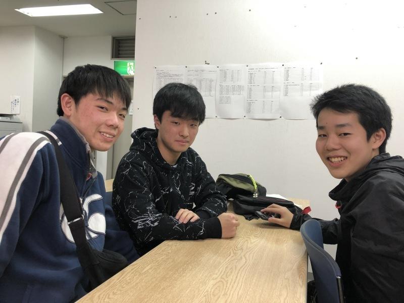 合格発表の日、教室に来てくれた子どもたち。_d0116009_12541402.jpg