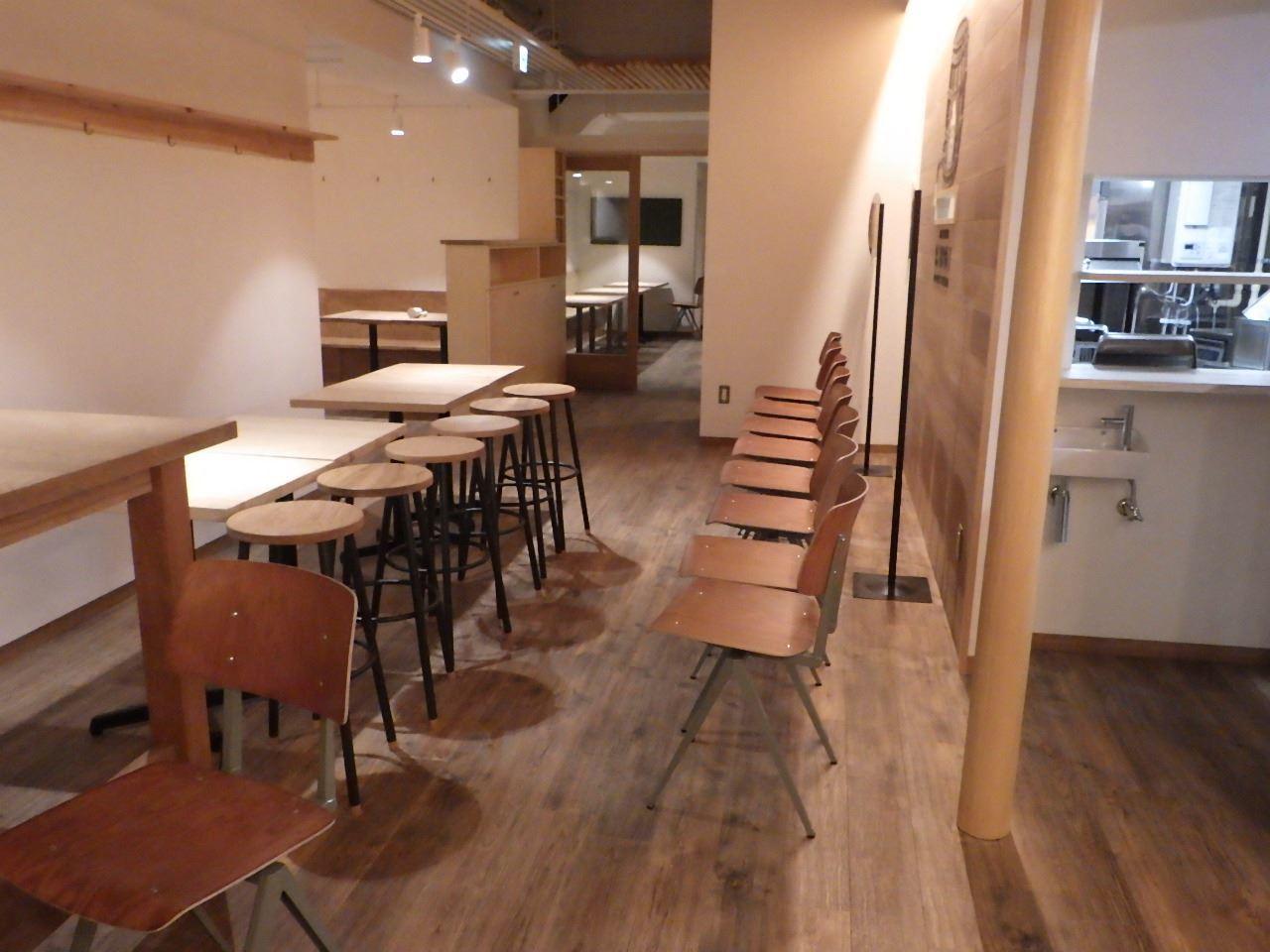 ベアレン醸造所様 駅前新店舗開店工事 工事完了へ!_f0105112_06364871.jpg