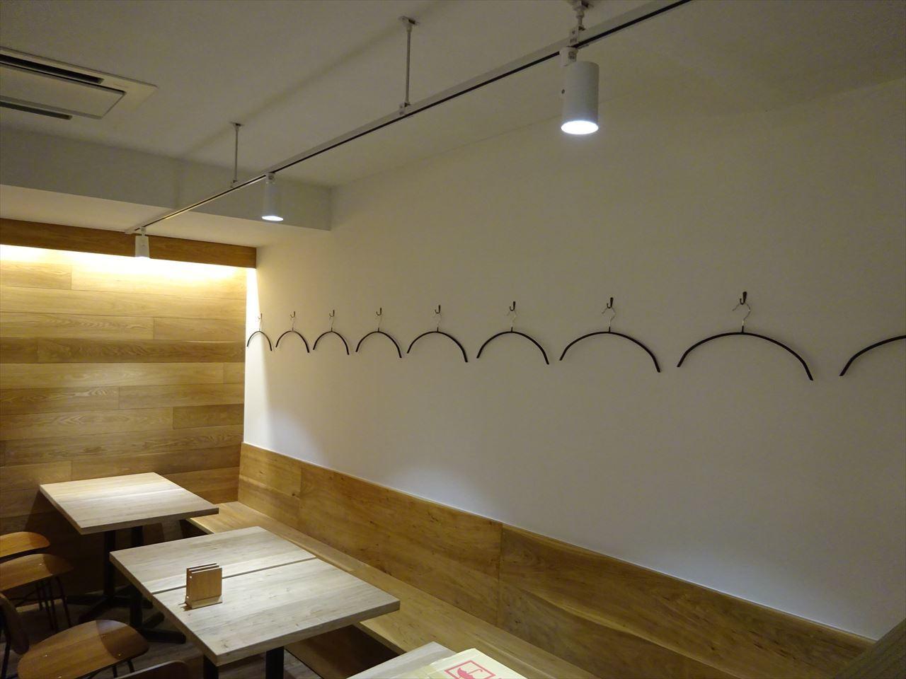 ベアレン醸造所様 駅前新店舗開店工事 工事完了へ!_f0105112_06411849.jpg