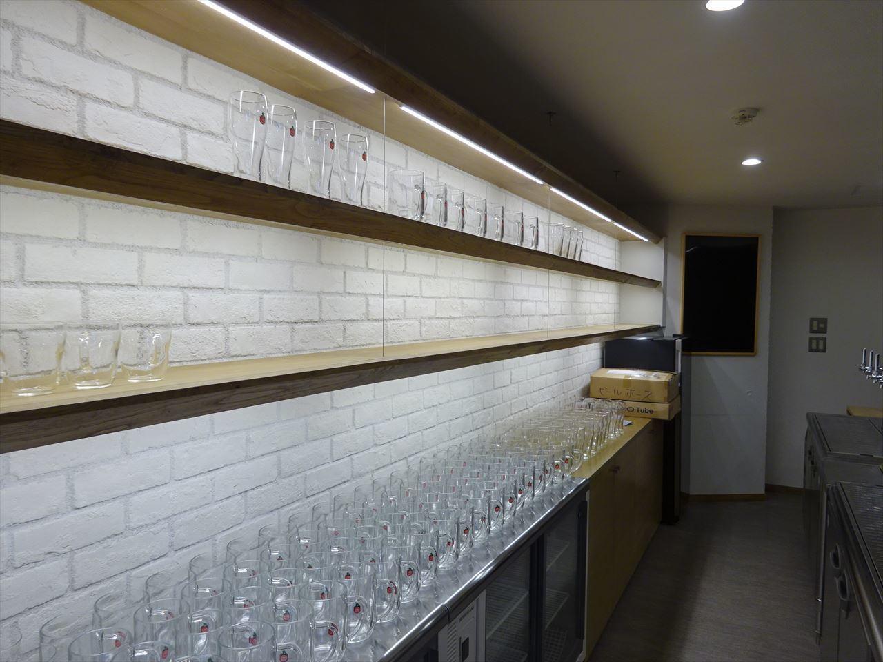 ベアレン醸造所様 駅前新店舗開店工事 工事完了へ!_f0105112_06411980.jpg