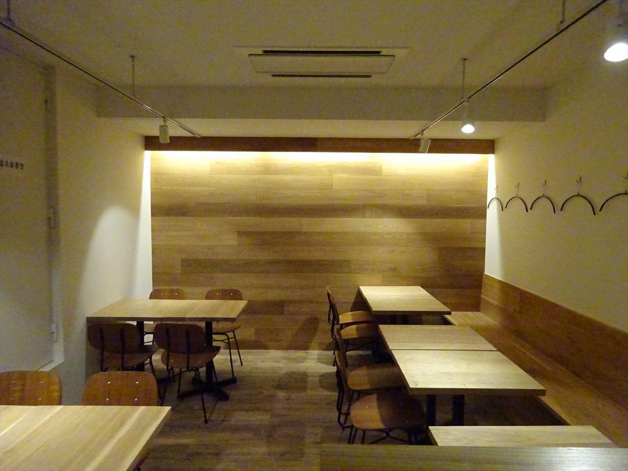 ベアレン醸造所様 駅前新店舗開店工事 工事完了へ!_f0105112_06454794.jpg