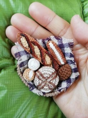 サトミーチカさんの編みぐるみパン_c0289116_13563539.jpg