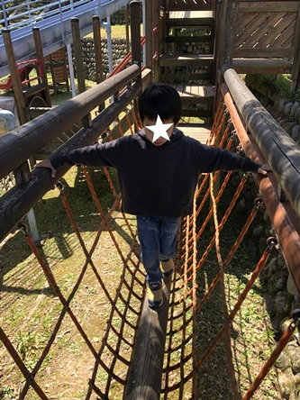 公園と次男服_d0291758_22252855.jpg