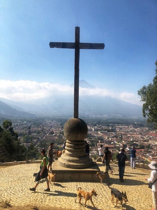 古都アンティグアを歩く①十字架の丘@グアテマラ_a0092659_12291773.jpg