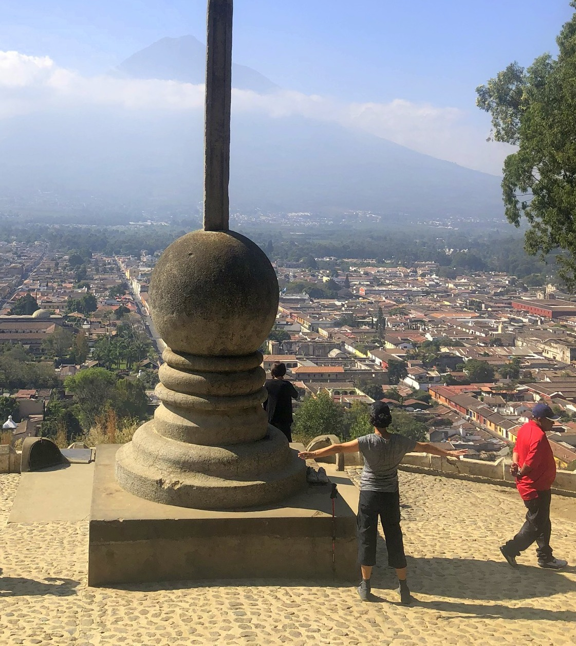 古都アンティグアを歩く①十字架の丘@グアテマラ_a0092659_12370893.jpg