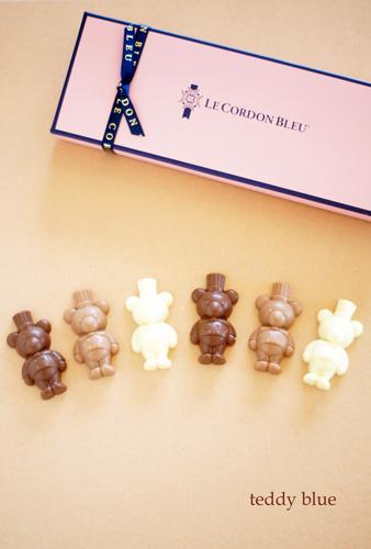 Cute bear chocolates  かわいいベアのチョコレート_e0253364_11063820.jpg