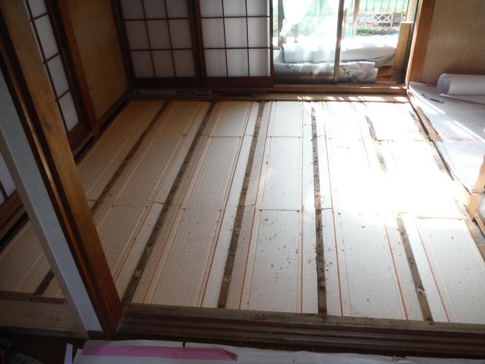 床断熱他 ~ 和室4.5畳、6畳間の床断熱。_d0165368_05263072.jpg