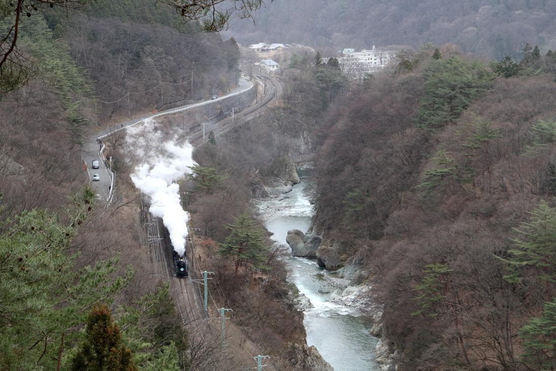 北風に白煙が舞う諏訪峡 - 2020年晩冬・上越線 -_b0190710_19550810.jpg