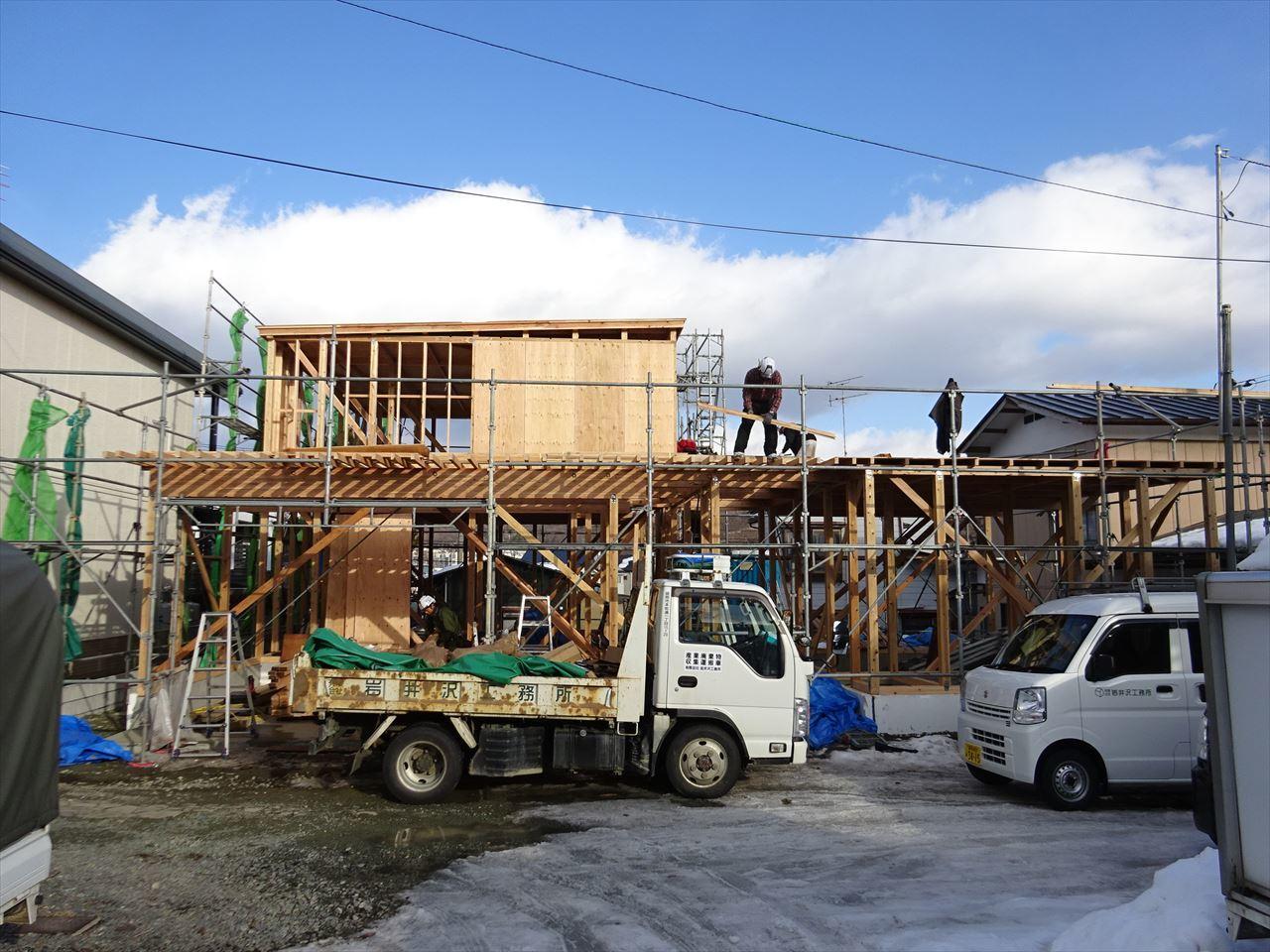 緑ヶ丘 アトリエのある家 建て方進行中!_f0105112_04170601.jpg