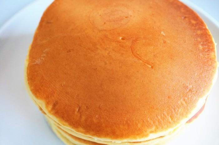 ■おやつ【ベビーチーズ入り 粒餡トッピングのホットケーキ】_b0033423_17305597.jpg