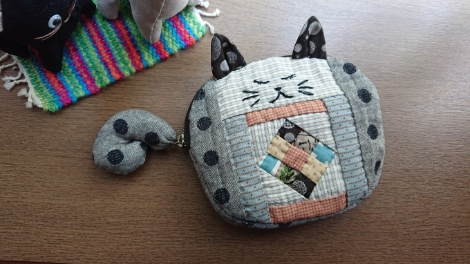 「おやすみ猫のポーチ」完成です♪_f0374160_21133895.jpg