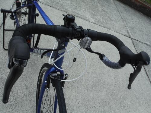 ドロップハンドルのクロスバイク『エスケープRドロップ』_b0332867_21493367.jpg