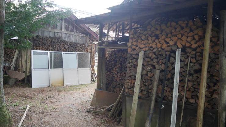 薪で冷泉を沸かす隠れ家的な宿―矢板・寺山鉱泉_a0385880_15464121.jpg