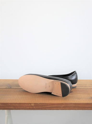 ""\""""M"""" LEATHER SHOES - Calla Lily _b0139281_12434239.jpg""383|511|?|en|2|f839191b507aa482ca074c04e745547f|False|UNLIKELY|0.3044165372848511