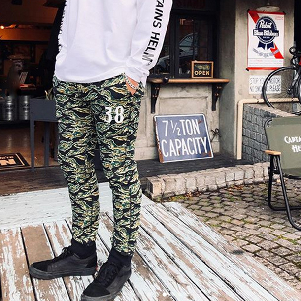 【DELIVERY】 CAPTAINS HELM - #LOCALS LOGO SWEAT PANTS_a0076701_18095699.jpg