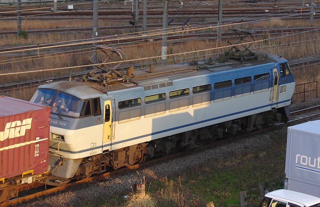 3/20東京貨物ターミナル着SGS60レのコキとコンテナ_f0203926_17213895.jpg