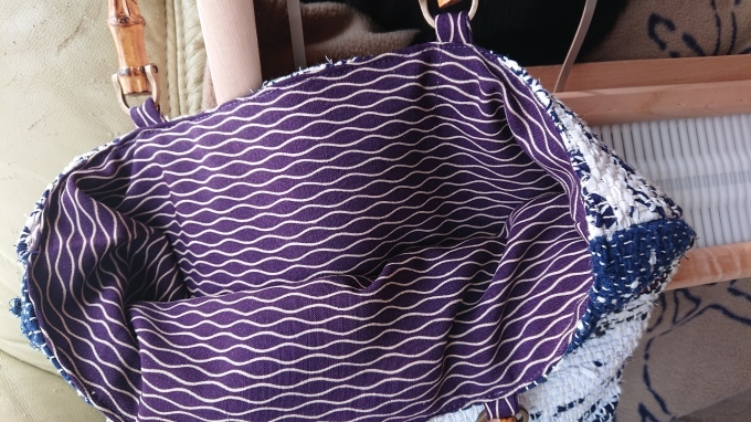 裂き織りのバッグ仕立てました♪_f0374160_20303339.jpg