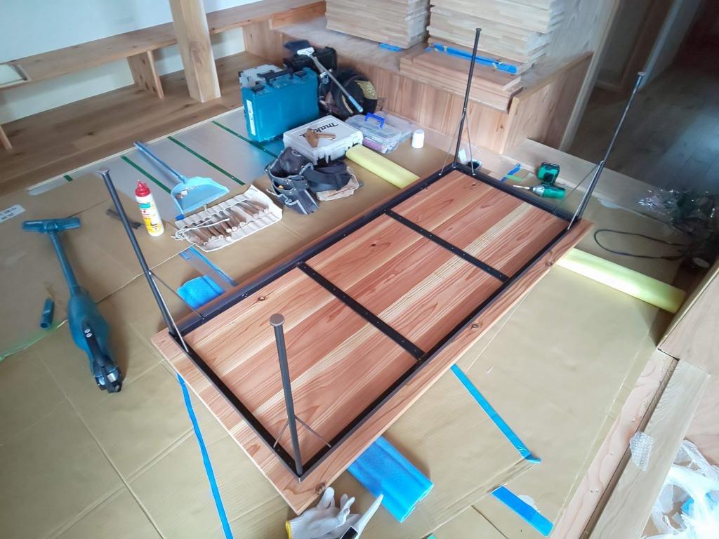 ■テーブル・カウンター組立て■_e0188083_15172678.jpg
