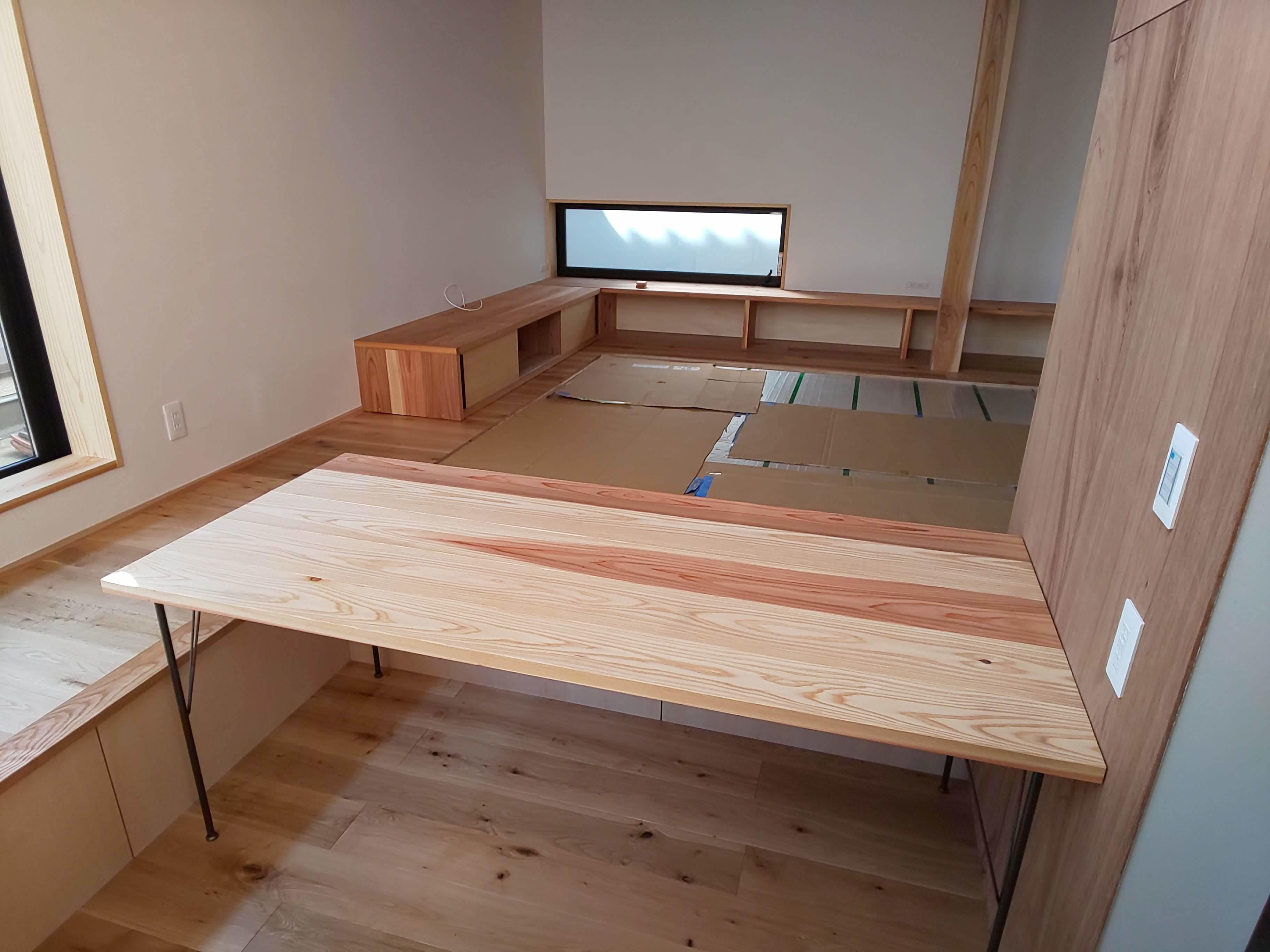 ■テーブル・カウンター組立て■_e0188083_15184275.jpg