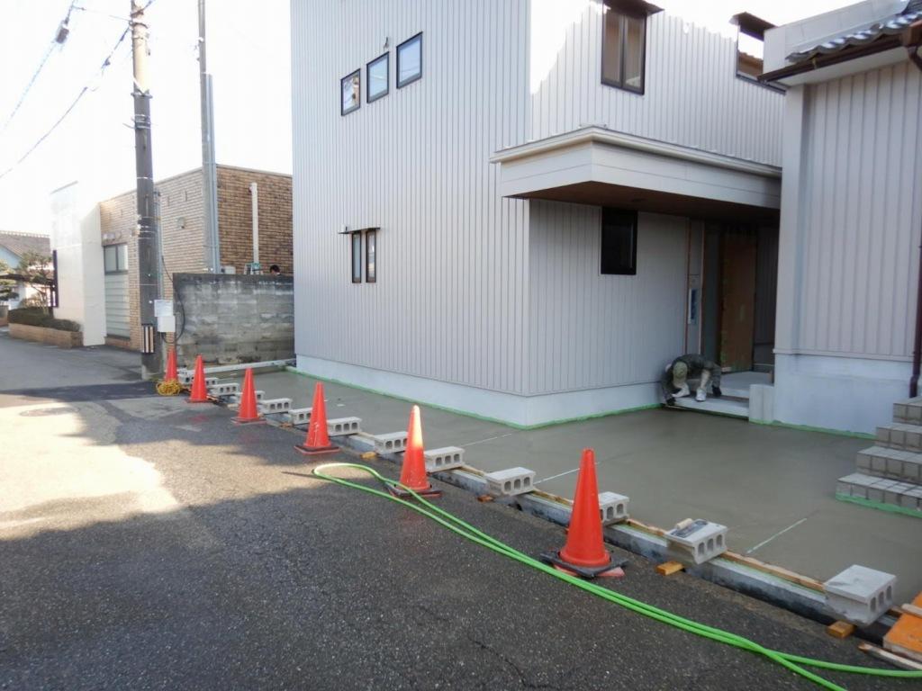 ■土間コンクリート打設■_e0188083_15532947.jpg