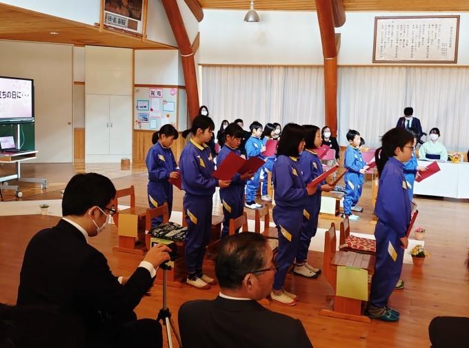 越知谷小学校卒業式とミニ閉校式に参加_d0265607_20245716.jpg