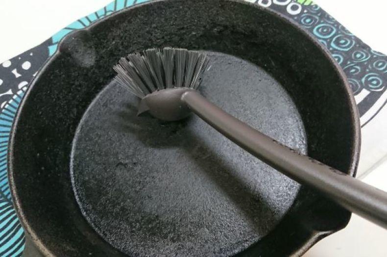 【IKEA】スクレーパー付き食器洗いブラシ_e0408608_19163543.jpg