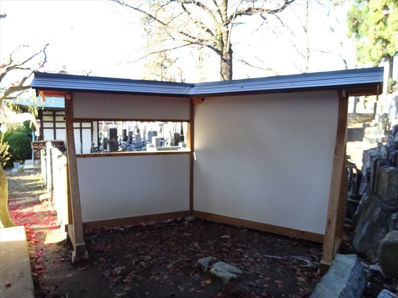 お寺の塀の建て替え工事 完成しました!_f0105112_04284347.jpg