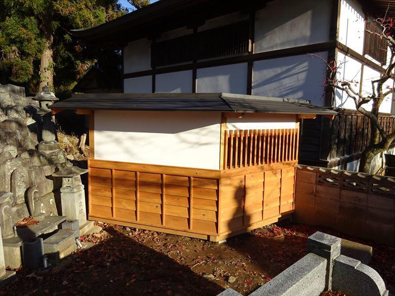 お寺の塀の建て替え工事 完成しました!_f0105112_04284361.jpg